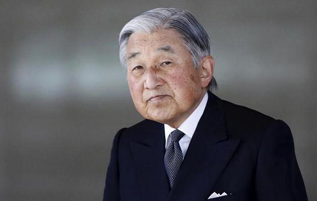 Прецедент: Японският император се отрича от трона си