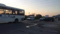 Кола се блъсна в автобус на пътя Пловдив-Асеновград, друга се удари в знак
