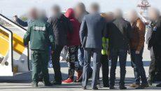 Екстрадираха руснак, издирван за убийство и мъчения над деца