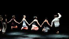 Фолклорът среща съвременния танц