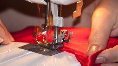 Зам.-министър връчва дипломи на шивачки в Пловдив