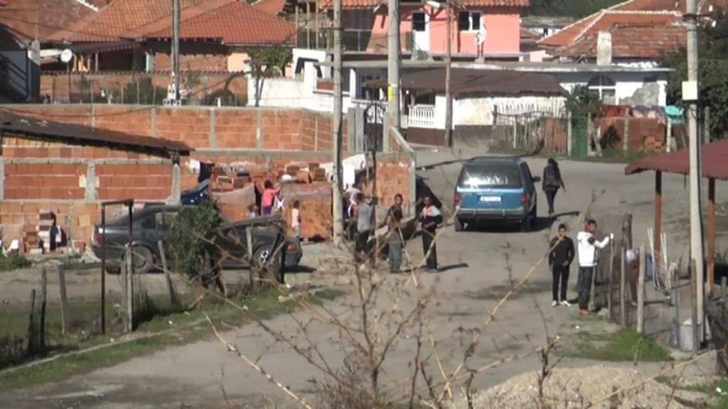 Полиция заварди ромската махала в Баня