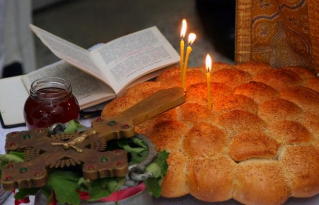 624-400-hristiianstvo-svesht-pitka-obichaj-tradiciia-isus-hristos-kryst