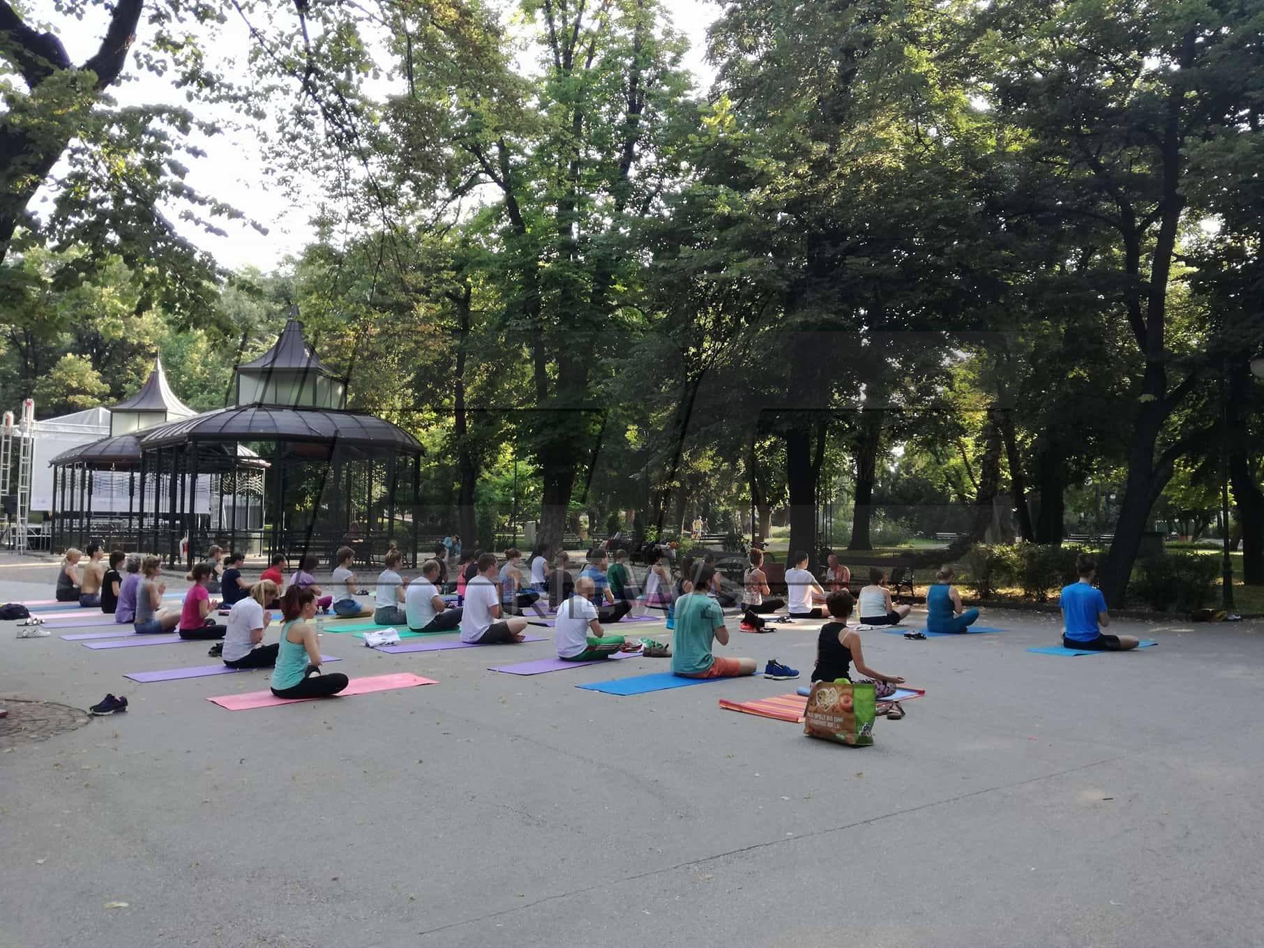 Стотици практикуваха йога в Пловдив