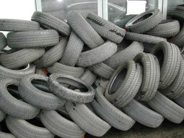 Old_tyres