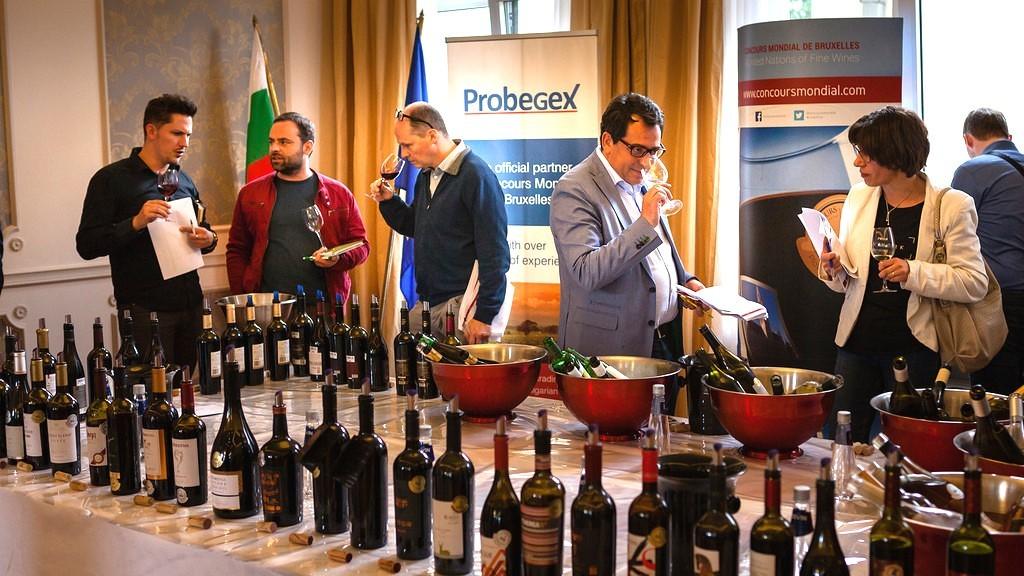 Връчват медали на винопроизводители в Пловдив