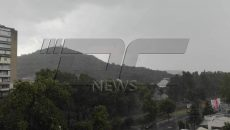 Бурята над Пловдив започна с дъжд, вятър и гръмотевици