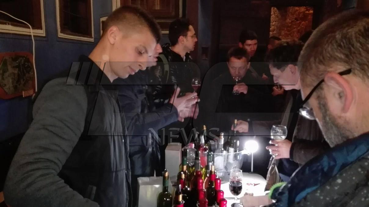 Старият Пловдив живна с Дефилето на младото вино (СНИМКИ)