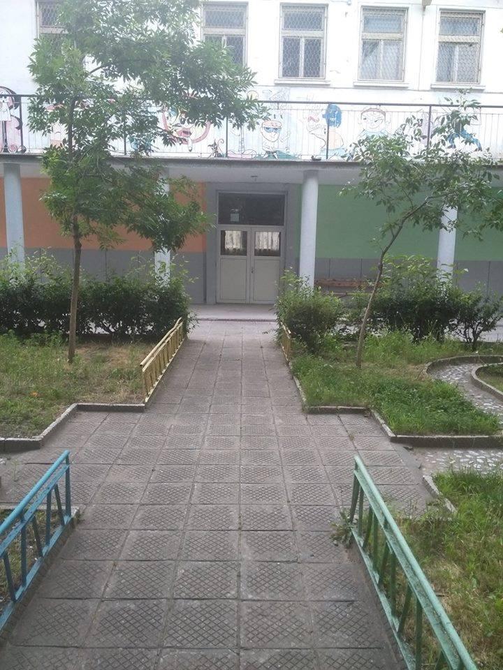 Как да дарим дрехи в социална институция в Асеновград