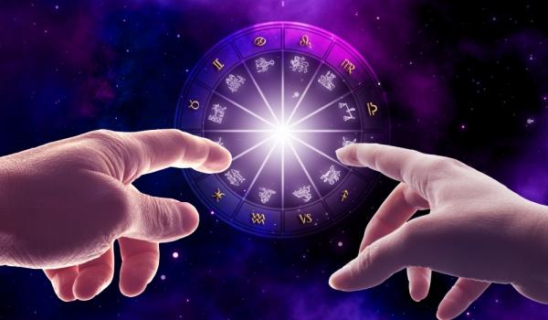 hands-zodiac-dark
