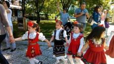 Рекордно хоро от малчугани се изви в Пловдив