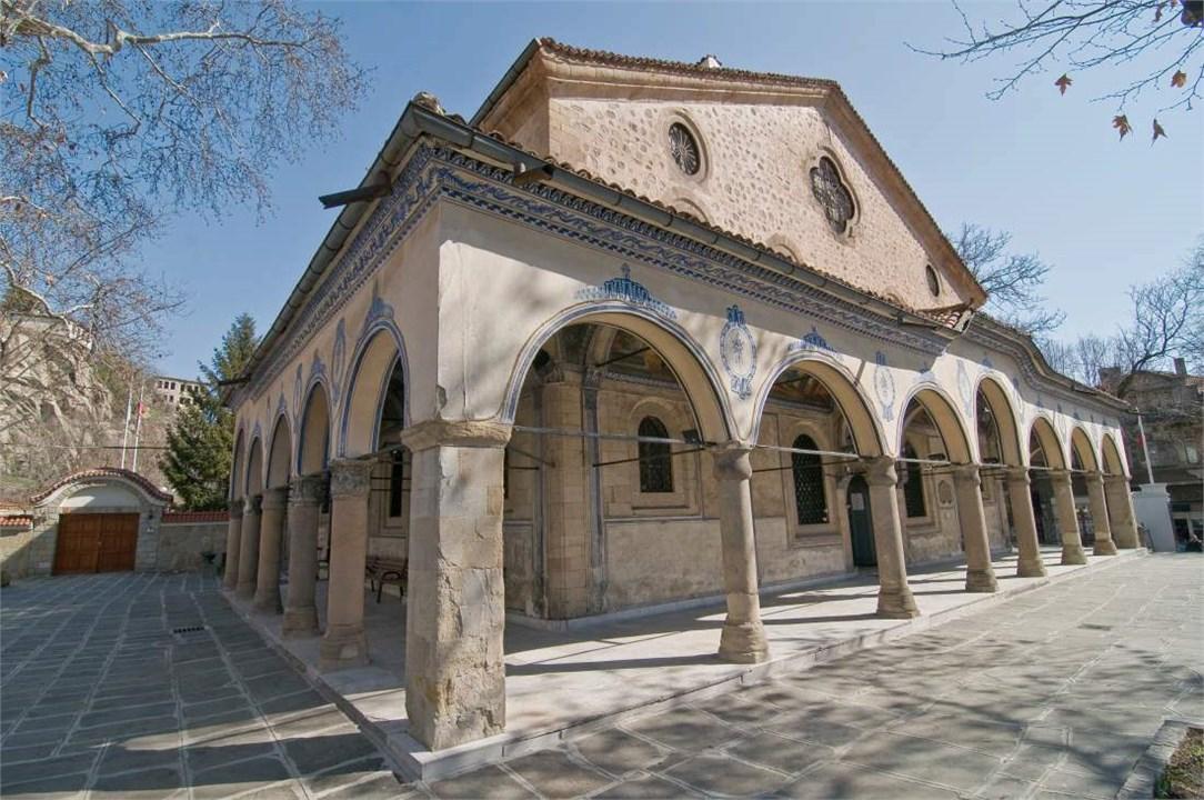 manastiri-i-hramove