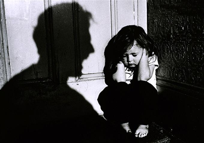 дете насилие