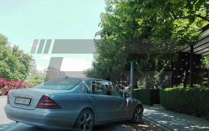 parkiral kato idiot (2)
