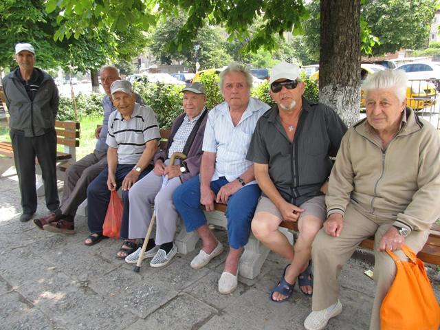 За какво си говорят пенсионерите в Асеновград