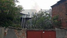 Пожар изпепели триетажна къща