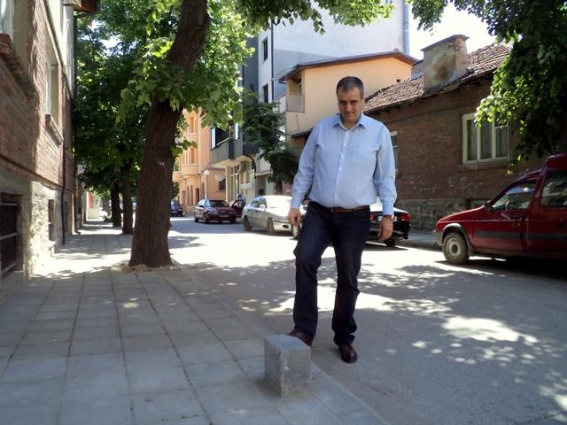 Нови тротоари в Източен