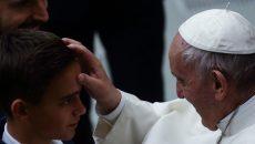 """Папата иска да променя """"Отче наш"""""""